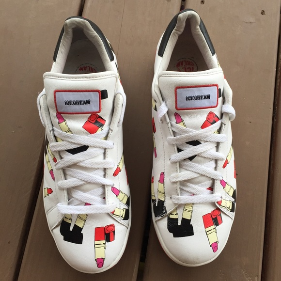 c9894ea65ef M 5b50e5d9800deefef4471053. Other Shoes you may like. Reebok Classic Leather  Metallic Casual Sneakers. Reebok Classic ...
